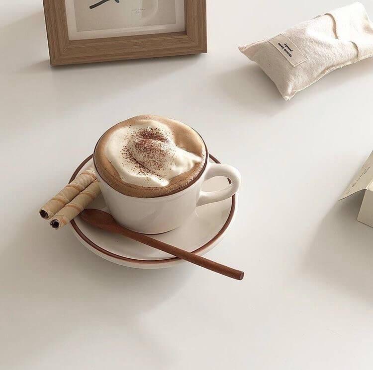 Al café de la mañana échale una pizca de canela. ☕️
